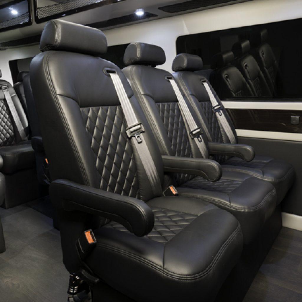 Spirit Ford E-450 Bus | Federal Coach Bus | Creative Carriage
